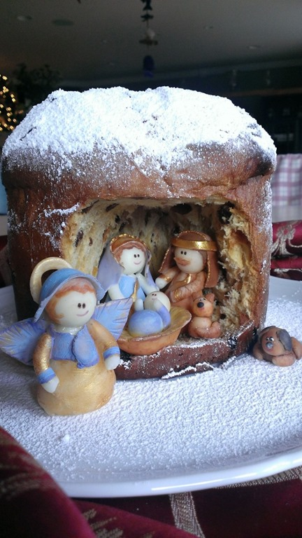 Meanwhile I Cut A Small Chamber Inside The Panettone Positioned Figurines Grotto And Finally Sprinkled Powdered Sugar On Top